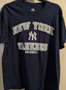 MLB Genuine New York Yankees baseball t-shirt sz L